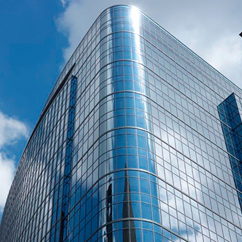 Hilcorp Energy Tower Block 256 rounded glass facade